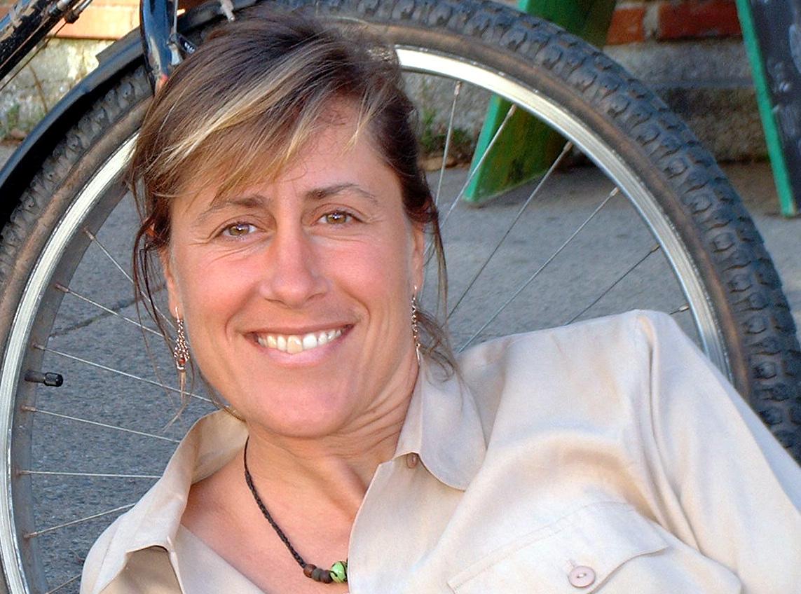 angela_bikewheel_crop_polish